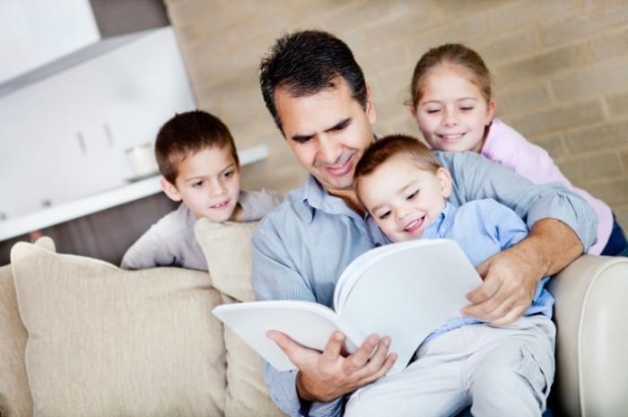 fotolia 40040210 m 700x465 Папа с детьми   Dad with kids