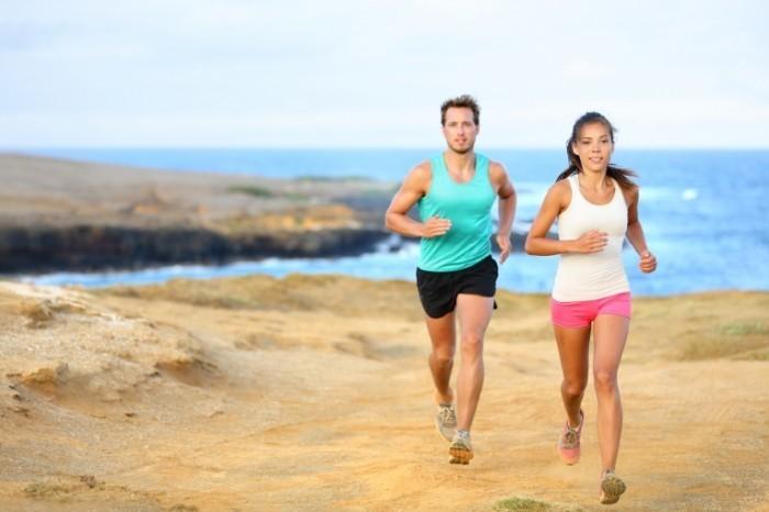 fotolia 61789272 l1 700x466 Пара на пробежке   Pair of jogging