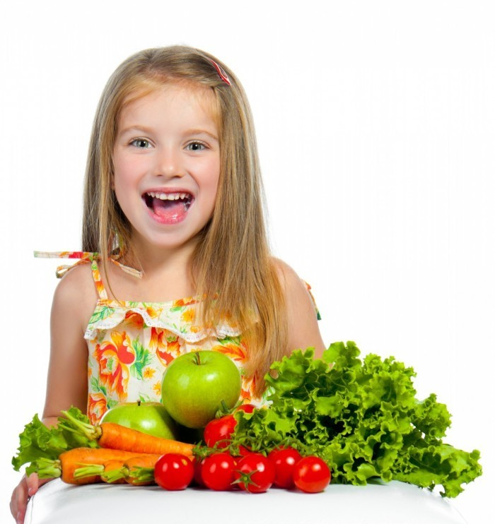 shutterstock 103716929 700x742 Девочка с овощами   Girl with vegetables