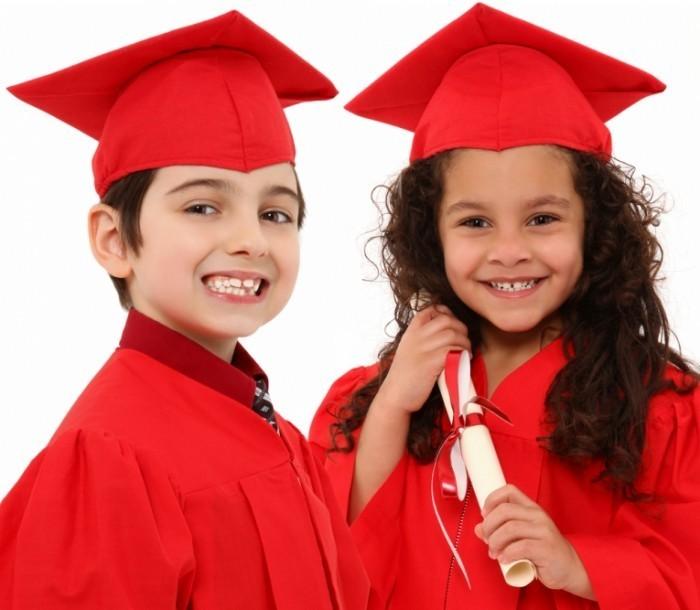 shutterstock 80154769 700x610 Дети выпускники   Children graduates