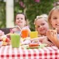 Дети за обедом - Children at lunch