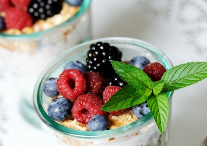 Dollarphotoclub 52114869 1 700x494 Десерт с малиной   Dessert with raspberries