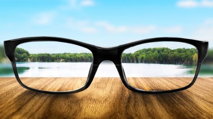 Dollarphotoclub 61299078 700x394 Очки   Glasses