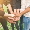 Руки молодежи - Hands youth