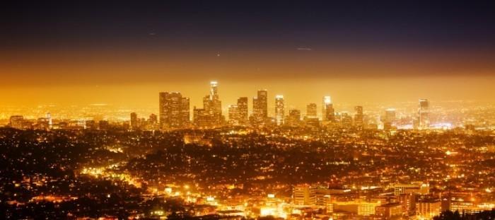Malia Dollarphotoclub 42804417 11 700x311 Ночной город   Night city