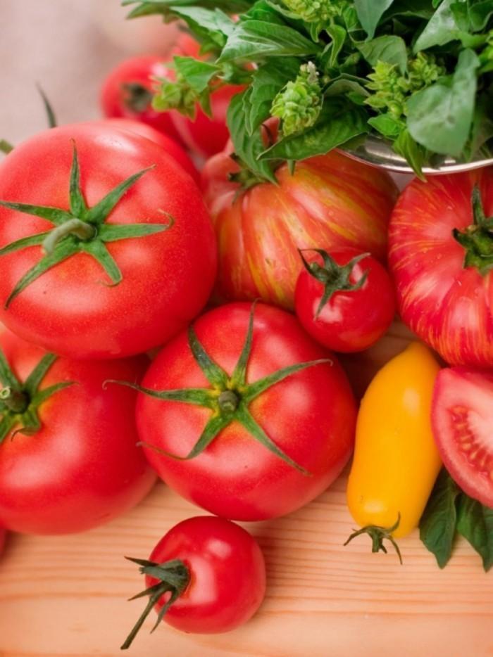 Помидоры   Tomatoes
