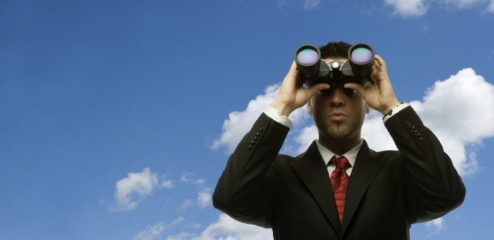 istock 000006895070large 700x341 Бизнесмен с биноклем   Businessman with binoculars