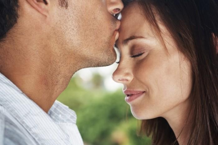 istock 000017057586xlarge 700x466 Влюбленная пара   Couple in love