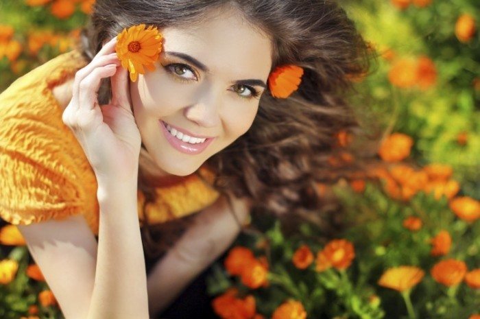 istock 000035866598 large 700x465 Девушка с цветком   Girl with the flower