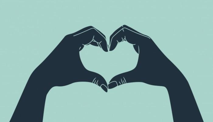 love gesture 700x401 Сердце из рук   Heart of hands