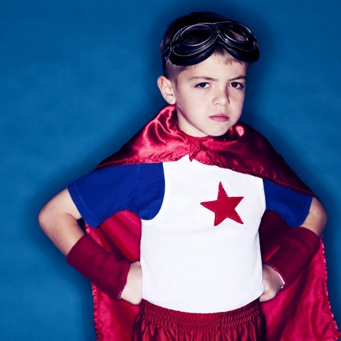 parenting serious super hero boy istock 700x700 Мальчик супермен   Boy superman