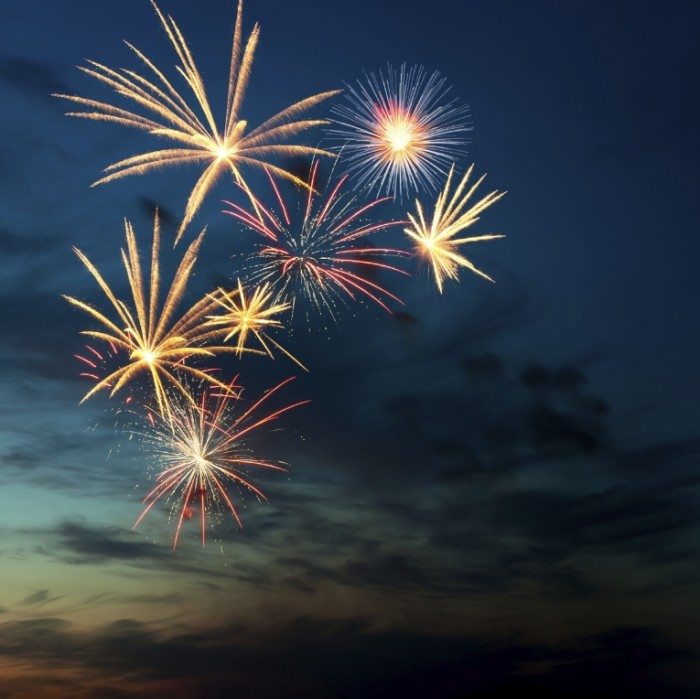 Fireworks iStock 700x699 Фейерверк   Firework