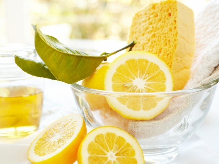 RX istock 19642490 natural cleaning supplies lemon sponge s4x3 700x524 Лимон   Lime