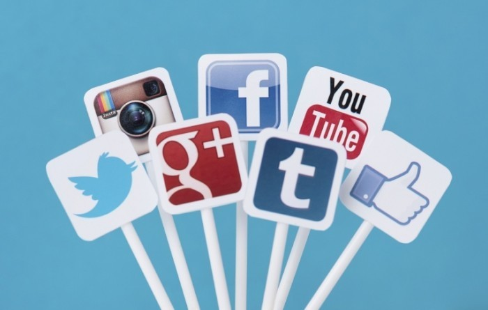 Social Media Icons iStock 000027098108Large1 700x445 Социальные сети   Social networks