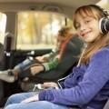 Девочка в наушниках - Girl with headphones