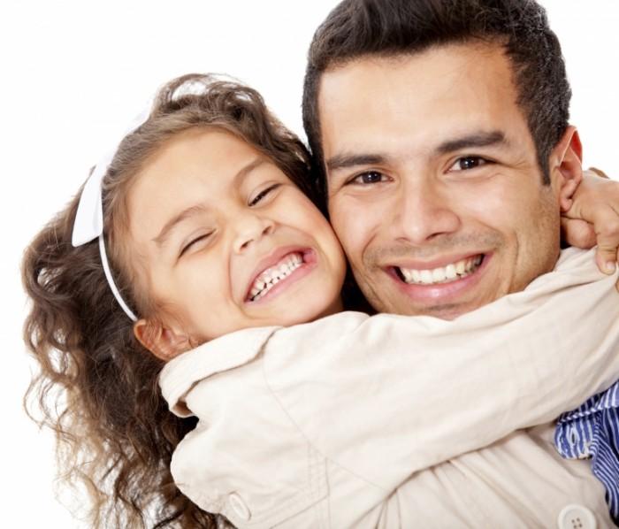 iStock 000019994209 Large 700x598 Папа с дочкой   Dad with daughter
