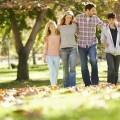Семья в осеннем парке - Family in the autumn park