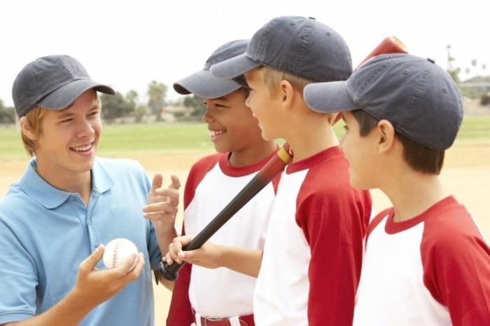 istock 000019466086large 700x465 Бейсбольная команда   Baseball team