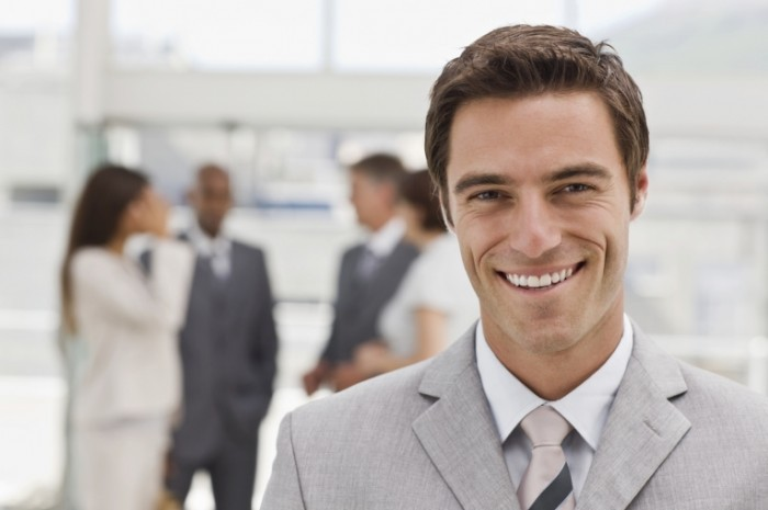 istock 7068613m 700x465 Мужчина с улыбкой   Man with a smile