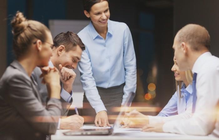 Coaching 700x447 Деловые переговоры   Business meeting