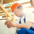 Строитель с чертежом - Construction worker with a drawing