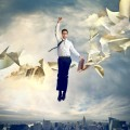 Мужчина в прыжке с документами - Man in a jump with documents