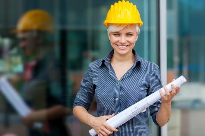 Dollarphotoclub 53694058 700x466 Женщина строитель   Woman builder