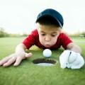 Мальчик с мячом для гольфа - Boy with a golf ball
