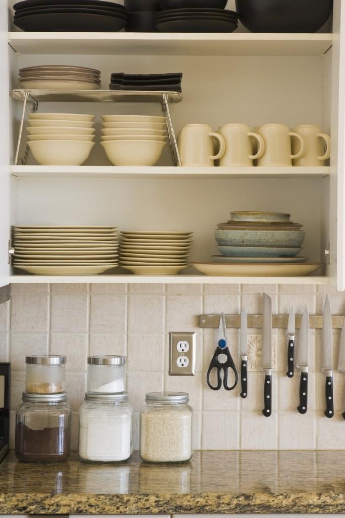 istock kitchen flyer 682x1024 Кухонная посуда   Cookware