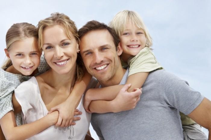 istock20happy20family 700x465 Семья с детьми   Family with children