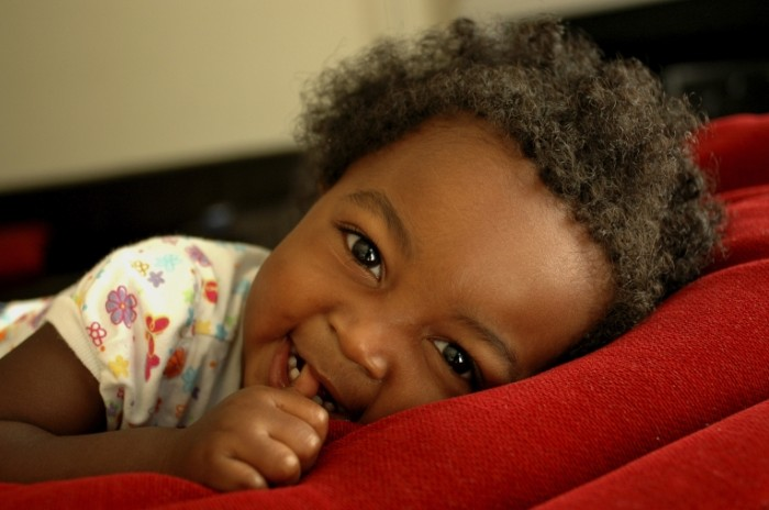 istock 000007238816medium1 700x464 Маленькая негритянка   Little Negro