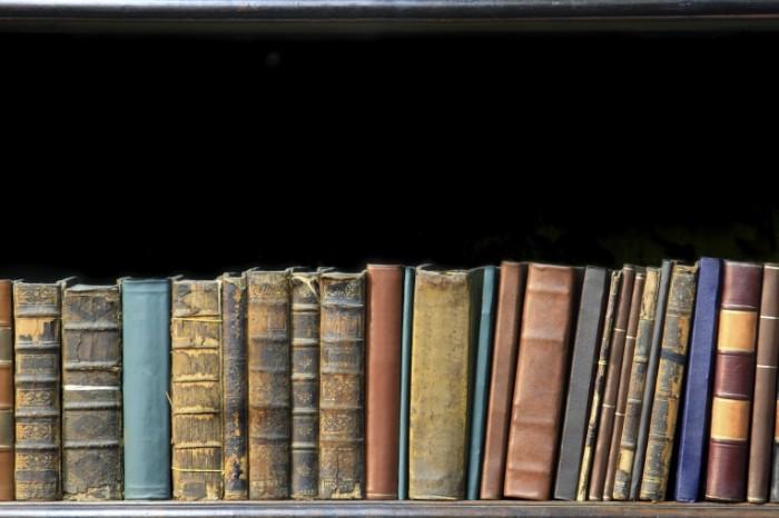 istock 000008084604 large 700x466 Книги   Book