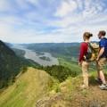 Туристы на вершине горы - Tourists on a mountain top