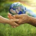 Земной шар в руках - Globe in hands