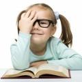 Девочка в очках за книгой - Girl in glasses with a book