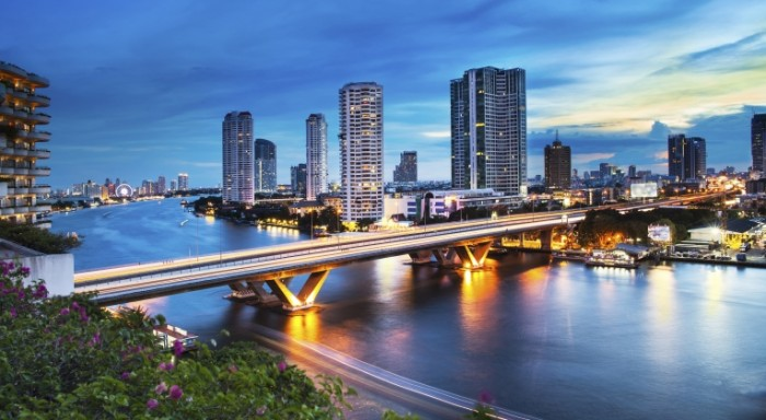 istock 000040338548 large bangkok 700x384 Городской мост   City bridge