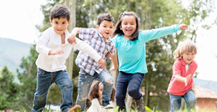 Dollarphotoclub 55683909 2 700x363 Счастливые дети   Happy children