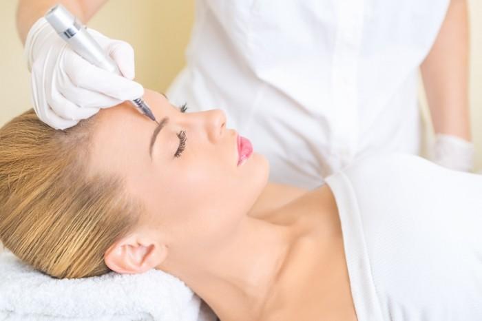 Dollarphotoclub 58652855 700x466 Косметология   Cosmetology
