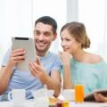 Пара с планшетом - Couple with tablet