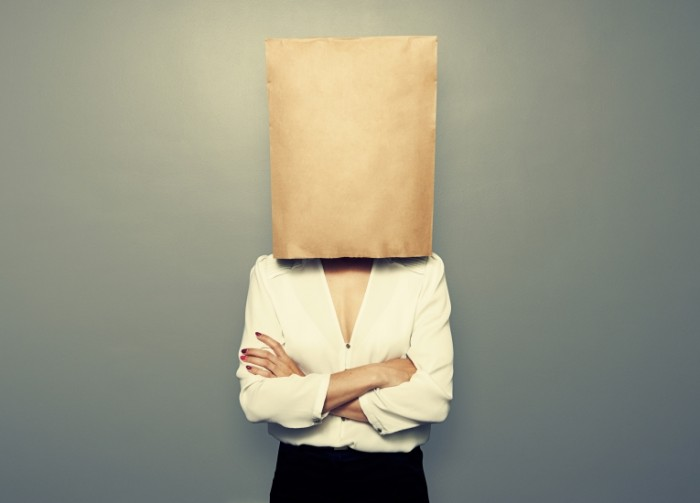 Dollarphotoclub 65200405 700x503 ������� � ������� �� ������   Girl with a bag over his head
