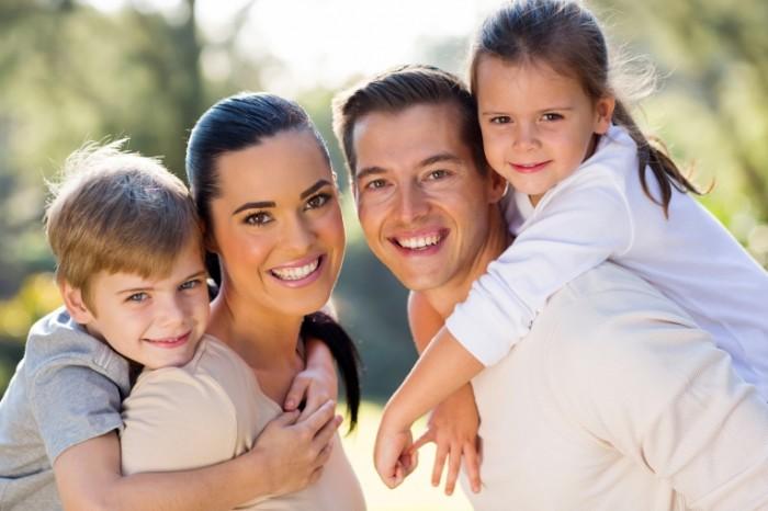 Dollarphotoclub 65440017 700x466 Семья с детьми   Family with children