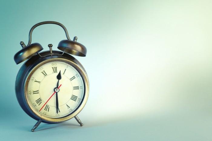 Dollarphotoclub 71619049 700x466 Будильник   Alarm clock