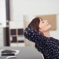 Уставшая офис менеджер - Tired office manager