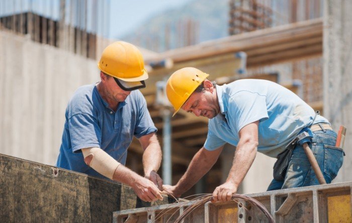 fotolia 45348884 subscription monthly m 700x444 Строители   Builders