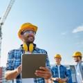 Строитель с планшетом - Construction worker with tablet