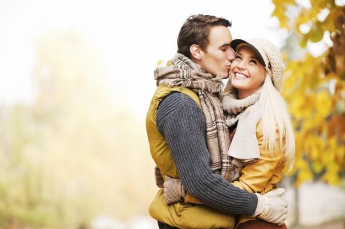 iStock 000018483836Large 700x465 Счастливая пара   Happy couple