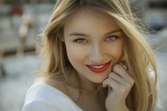 Dollarphotoclub 65715779 700x466 Красивая девушка   Beautiful girl