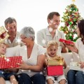 Счастливая семья с подарками - Happy family with gifts