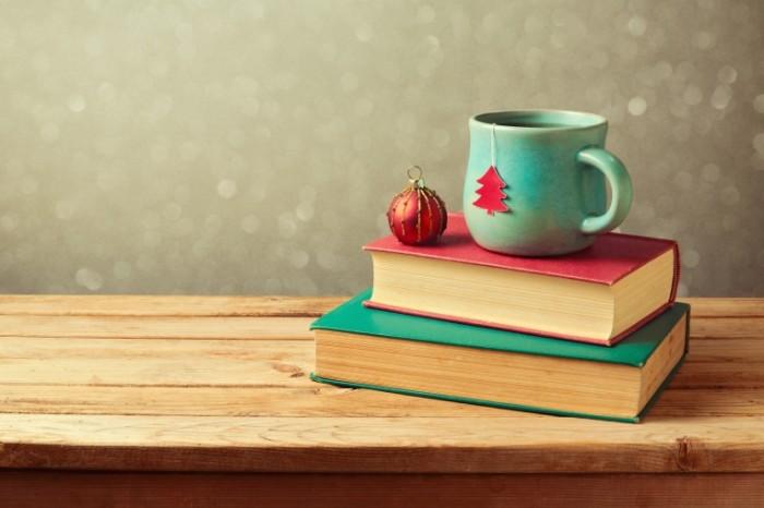 Dollarphotoclub 71105530 700x466 Книги и кружка   Books and mug