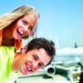 Счастливая пара на фоне самолета - Happy couple on the background of the airplane